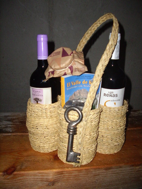 cesta de productos tipicos murcianos